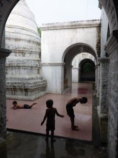 Rainy Day - Mandalay