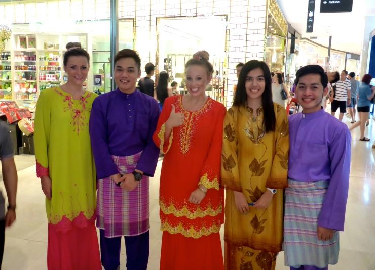 Malaysian Christmas Outfits