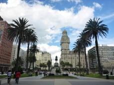 Montevideo's Plaza Independencia